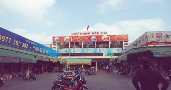 Chợ Phạm Văn Hai ở TPHCM