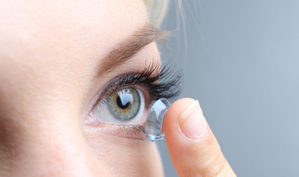 Chọn lens mắt có kích thước phù hợp